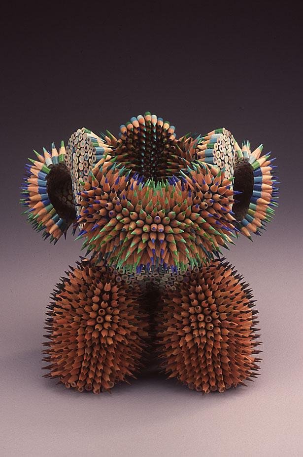 Pencil art insolite