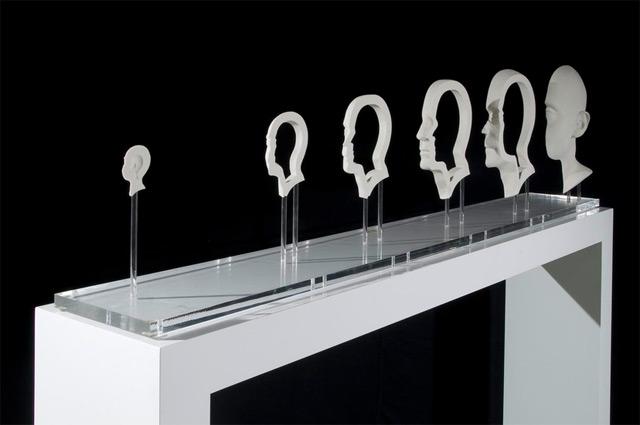 Les sculptures anamorphiques trompeuses et les illusions de Jonty Hurwitz