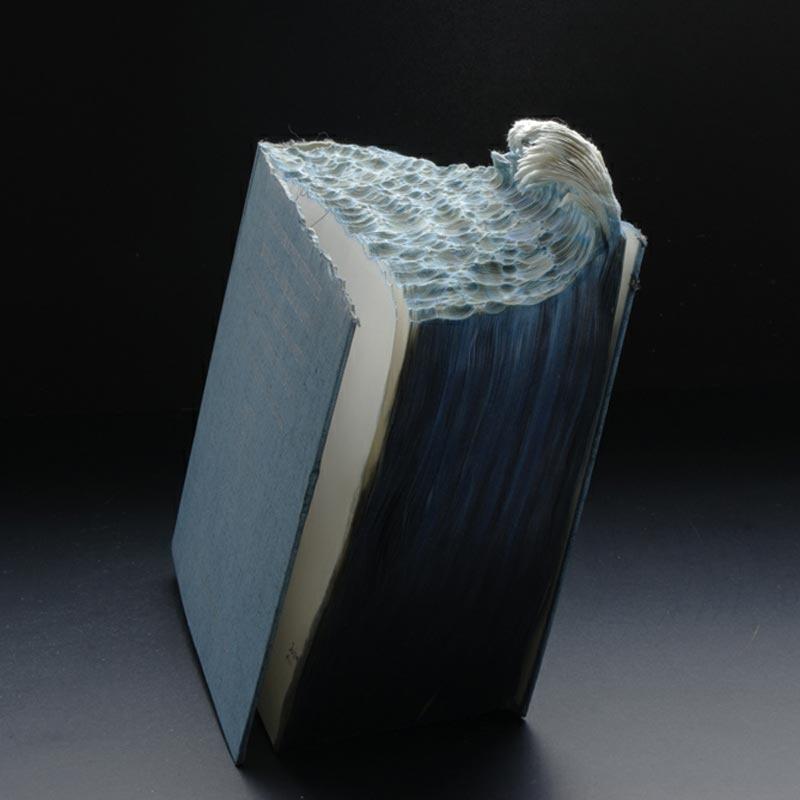 Les livres sculptées de Guy Lamarée