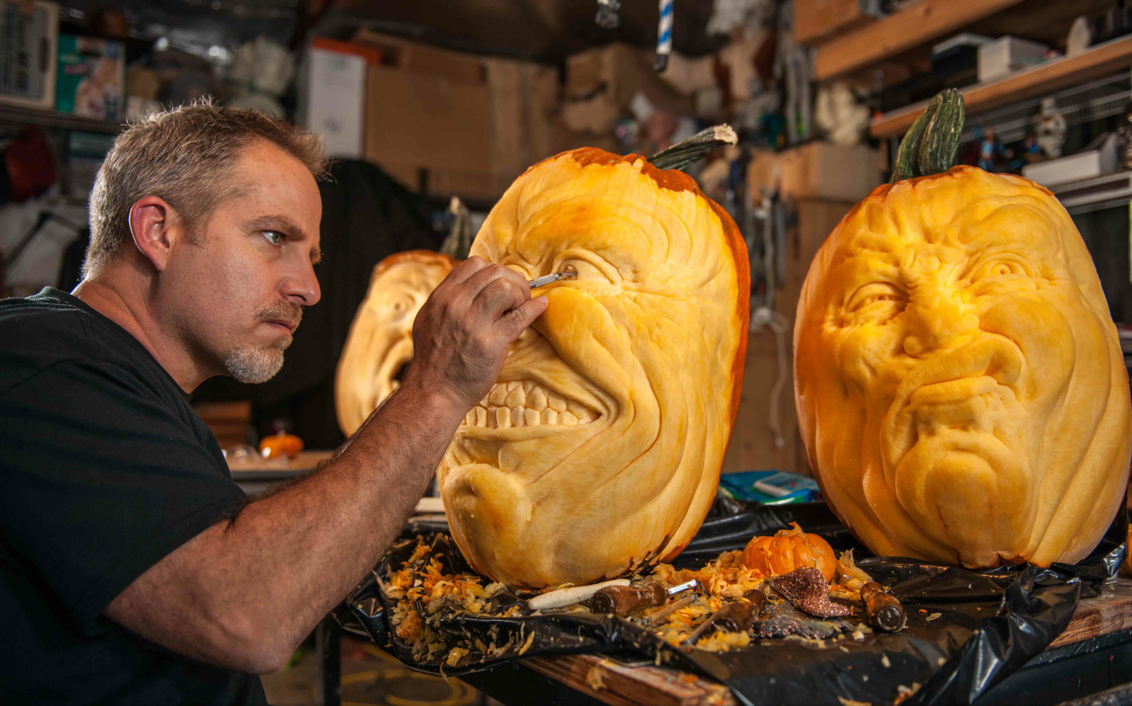 Pour Halloween, testez les sculptures de citrouilles comme Jon Neill