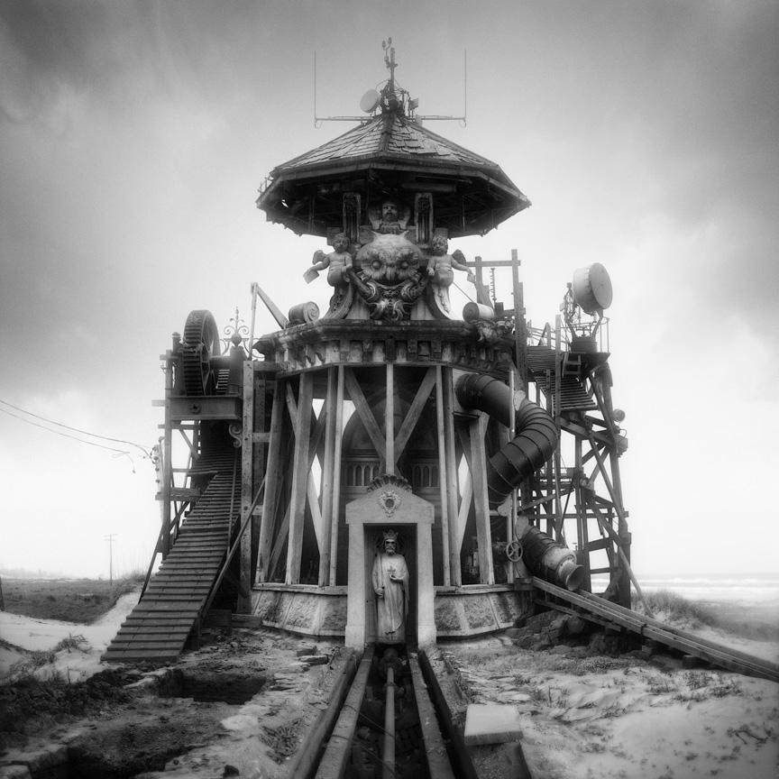 Les photomontages étranges et fantastiques de l'américain Jim Kazanjian