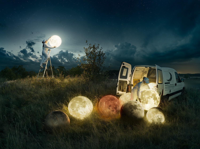 """""""Full Moon Service"""" : la dernière Photomanipulation d'Erik Johansson"""