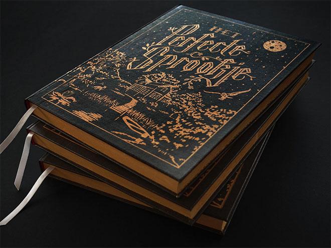 40 Packagings et éléments imprimés dorés luxueux